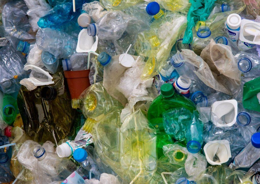 Come ridurre il consumo di plastica in casa